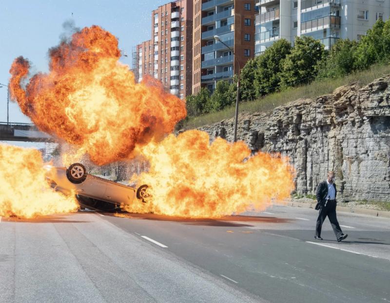 特效镜头比一般爱情片还少!诺兰《TENET 天能》坚持于实拍燃烧经费,撞毁大飞机全玩真的!
