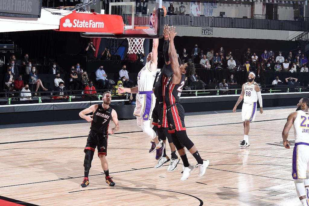 Kobe,This is for you 湖人总冠军!詹皇三双 湖人大胜热火夺得本赛季NBA总冠军! 篮球竞猜官方